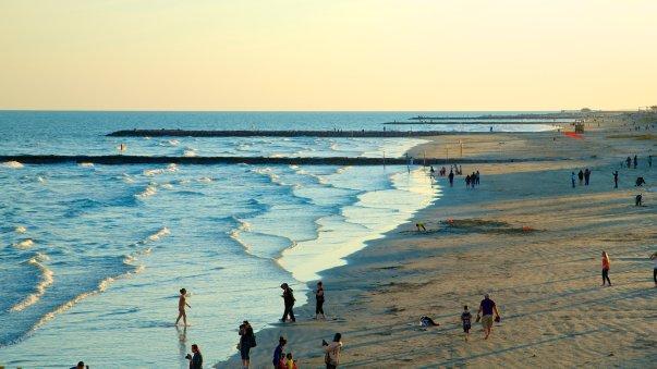 54553-Galveston-Island-Historic-Pleasure-Pier