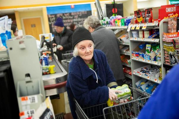 shopping seniors 2